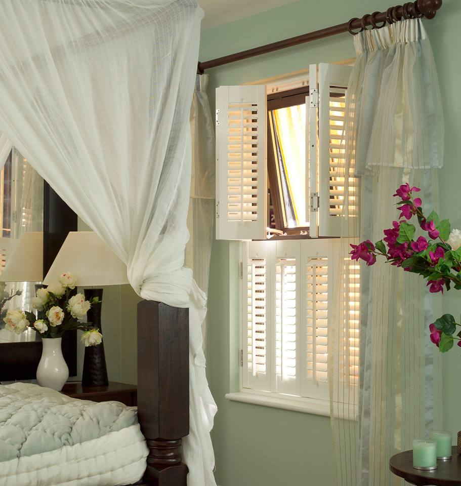 White Tier-On-Tier Venetian Blinds