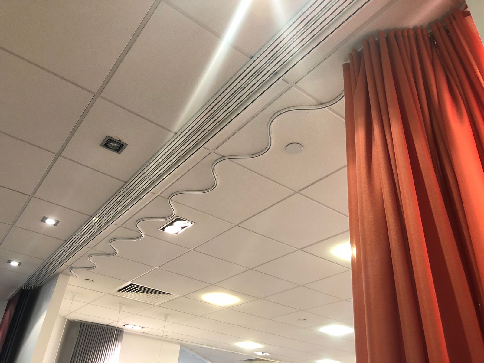 Silent Gliss Business Centre London - Wave curtain tracks