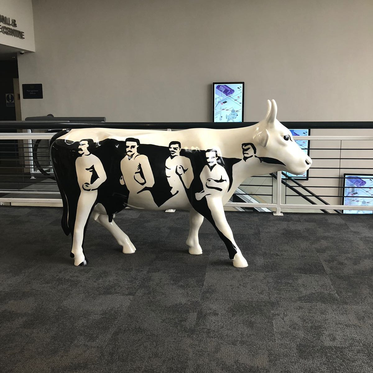 Silent Gliss Business Centre London - Cow