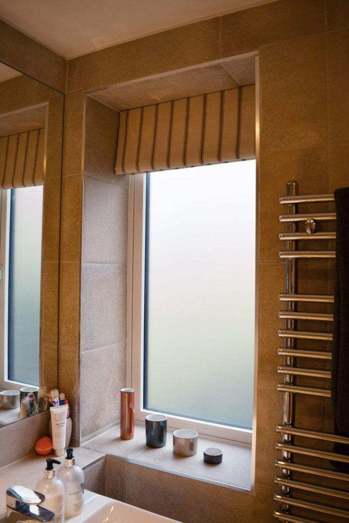 Guest bathroom - Roman blind open