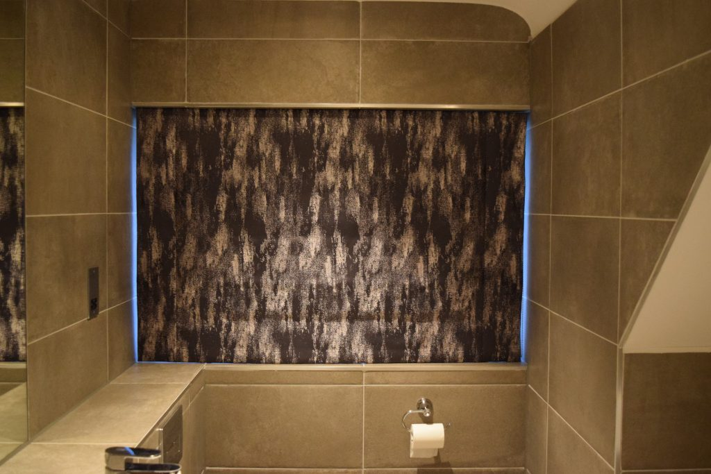 Main bathroom - Roman blind closed