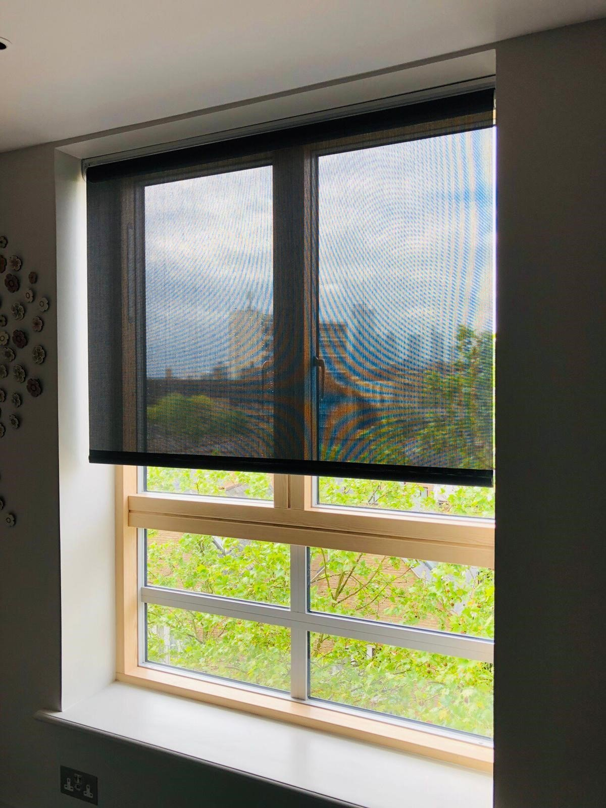 Silent Gliss Battery Operated Roller Blind in Screen Fabric